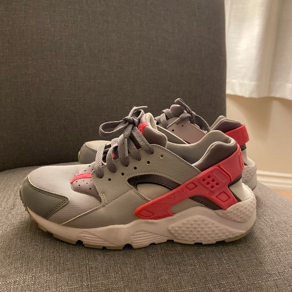 Nike Shoes - Nike Hurraches